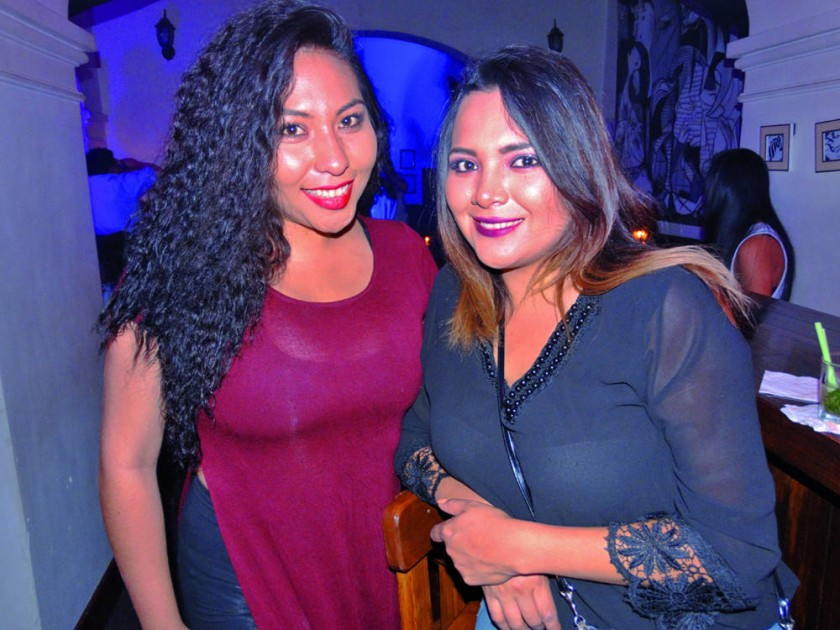 Andrea Ribera y Paola Valda.