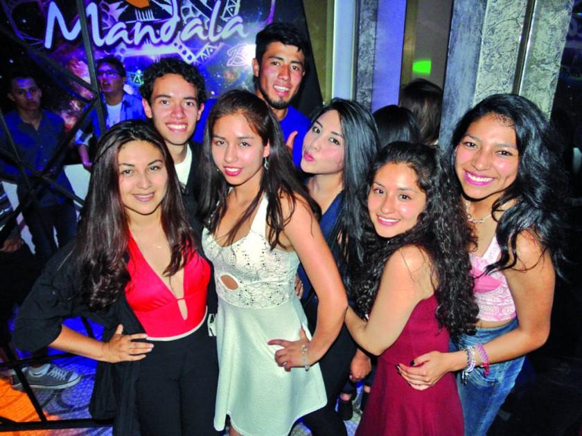 Arriba: Daniel Lucuy y Mauricio Matienzo. Abajo: Kelly Rojas, Gabriela López,  Jessica Aguilar, Belén Salazar y Danahe..