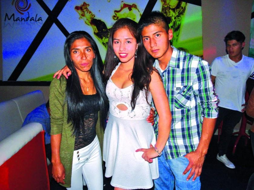 Verónica, Gabriela y Roberto.