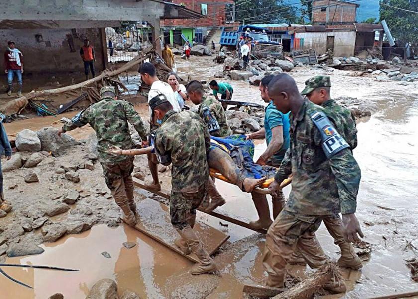 DAÑOS. Cientos de personas perdieron todas sus pertenencias cuando el lodo arrasó con sus hogares.
