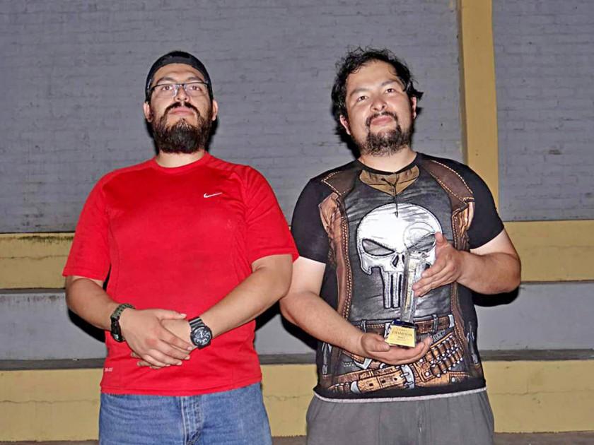 Los chuquisaqueños Ricardo Berríos y Rubén Claros se consagraron campeones en el último evento nacional de airsoft,