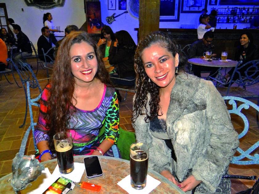 Ilse Barahona y Verónica Viveros.