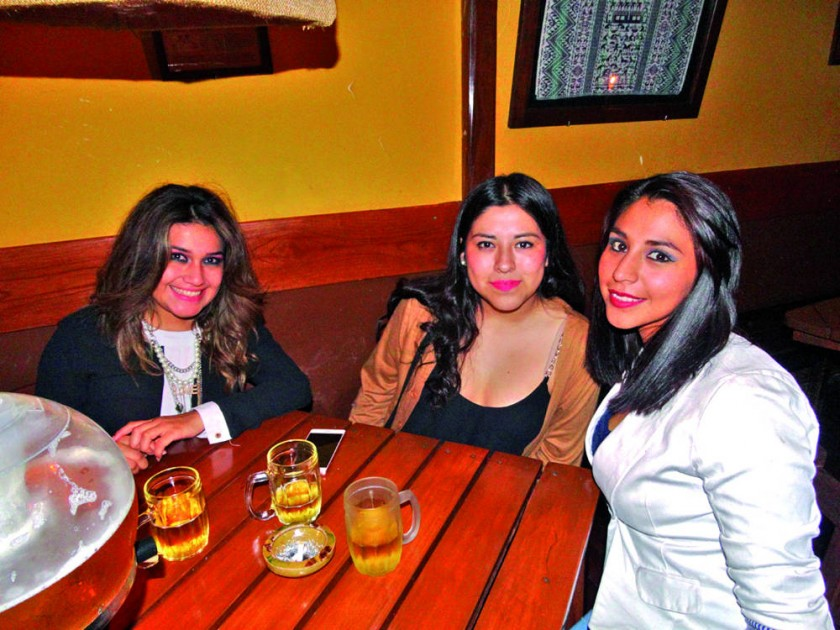 Natalie López, Mery Gonzales y Cecilia Betanzos.