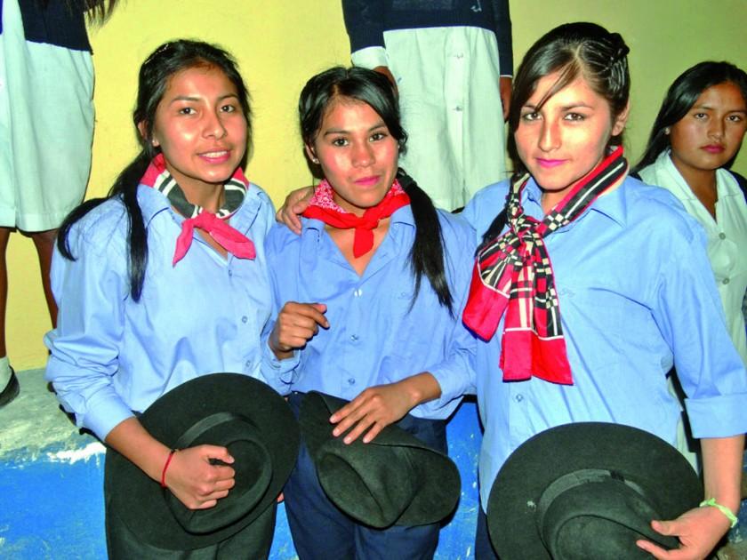 Noeleny Vallejos, Juany Estrada y Rosemary Vargas