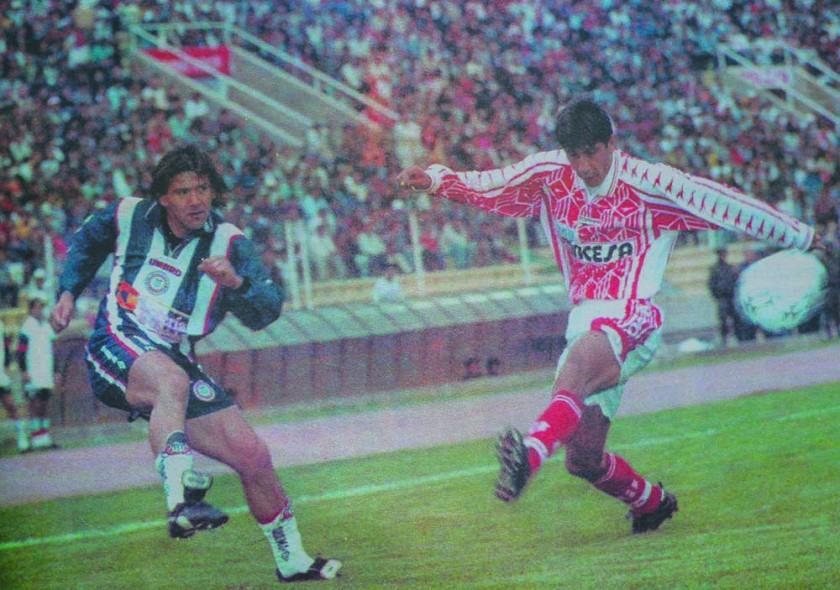 Pasaje del partido entre Independiente y Talleres, jugado en 1999.