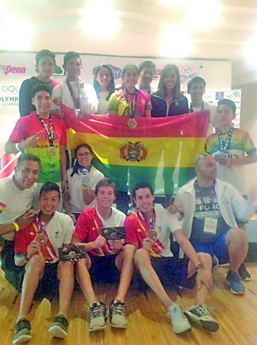 Los capitalinos Carlos (i) y Conrrado Moscos obtuvieron medallas en el Panamericano de Costa Rica.