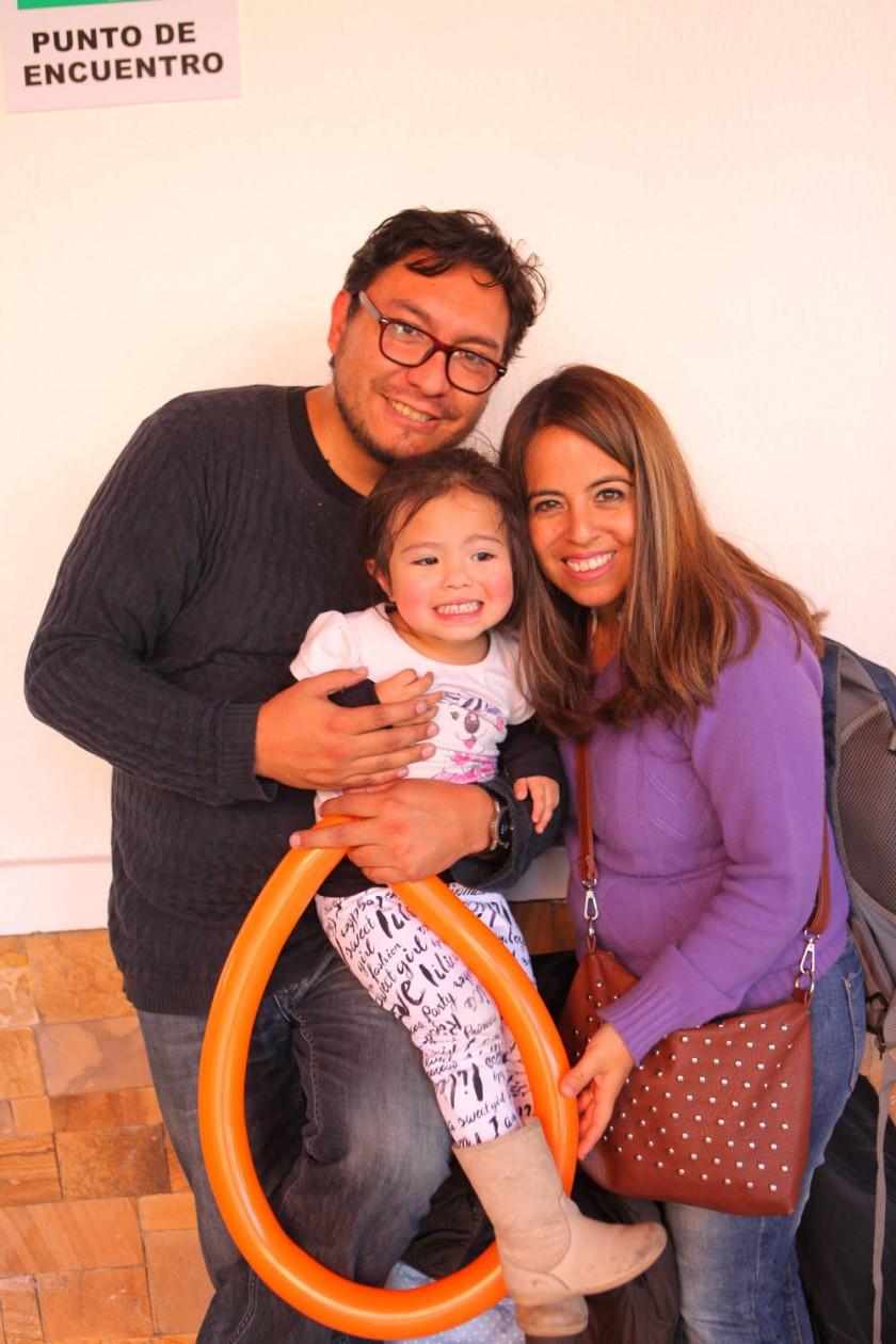 Cristian Zárate, Natalia Zárate y Yara Lazcano de Zárate.