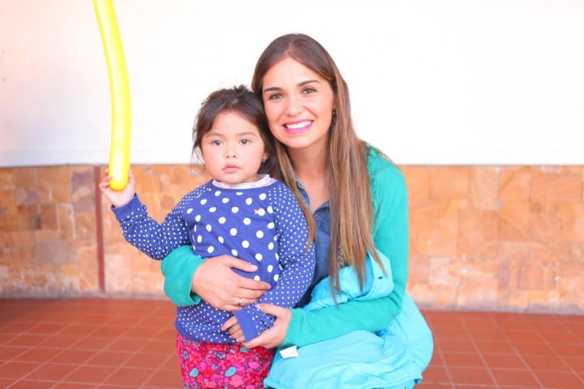 Romina Carrasco y Mayra Encinas.