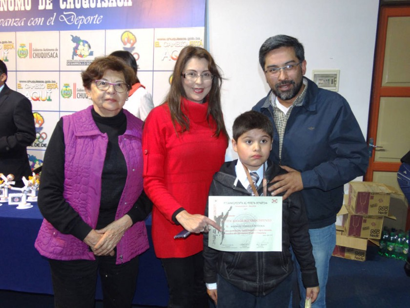 Nancy Navia, Fabiola Medina, Manuel Padilla y Freddy Padilla.