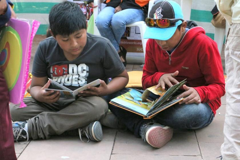 TEXTOS. Los más pequeños se mostraron satisfechos con la variedad de libros.