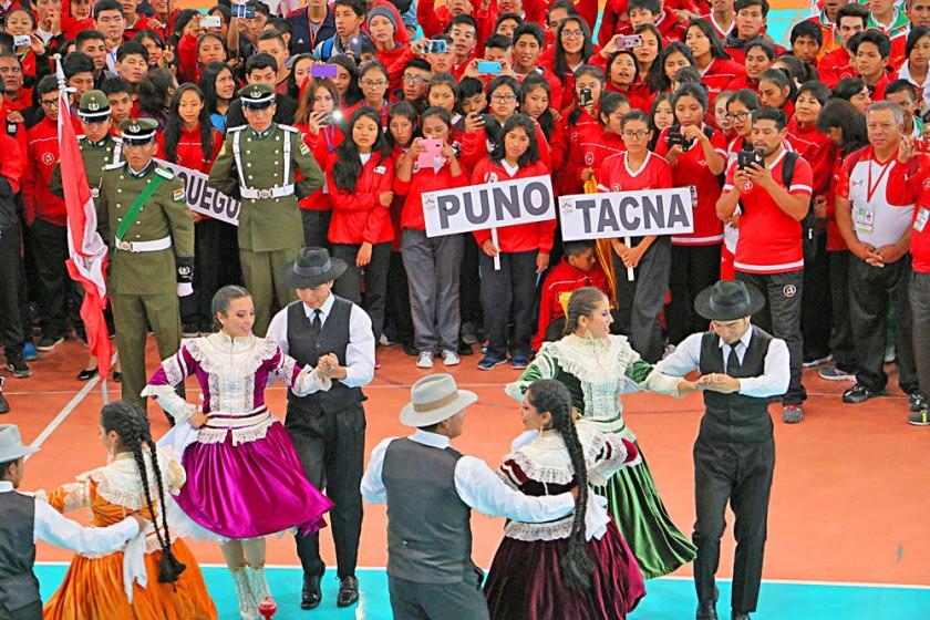 La inauguración se desarrolló ayer, en el coliseo Jorge Revilla Aldana.
