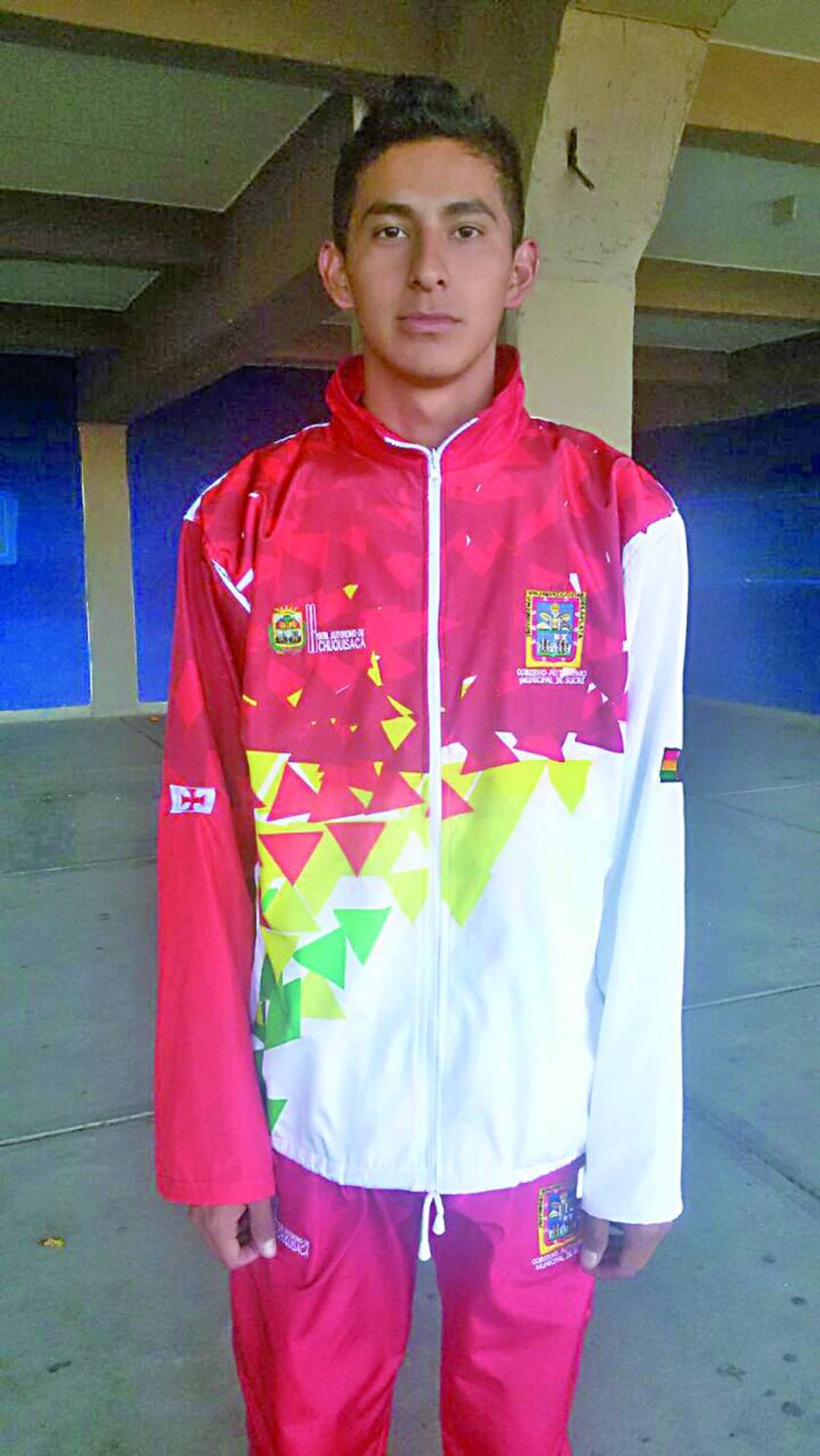 Claudio Jiménez y Axel Reyes fueron terceros en atletismo.