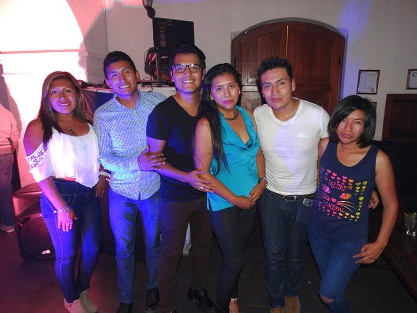 Lidia, Jacob, Eddy, Gaby, Carlos e Inés.