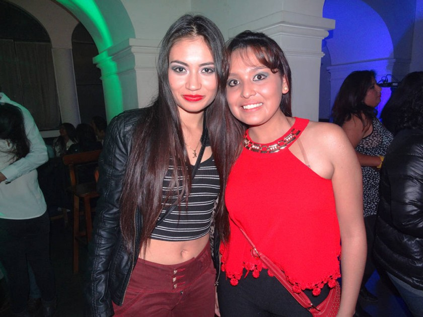 Kruskaya Gonzales y Elvira Cuevas.
