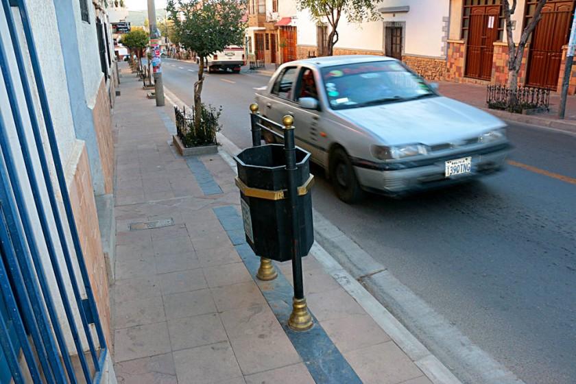 COLONIALES. Contenedores en el centro de la ciudad.