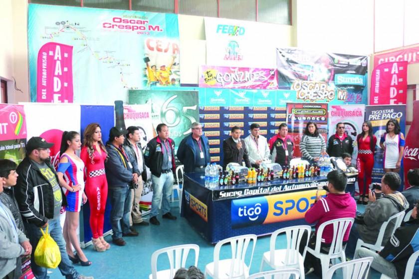 Oscar Crespo bate récord de pilotos