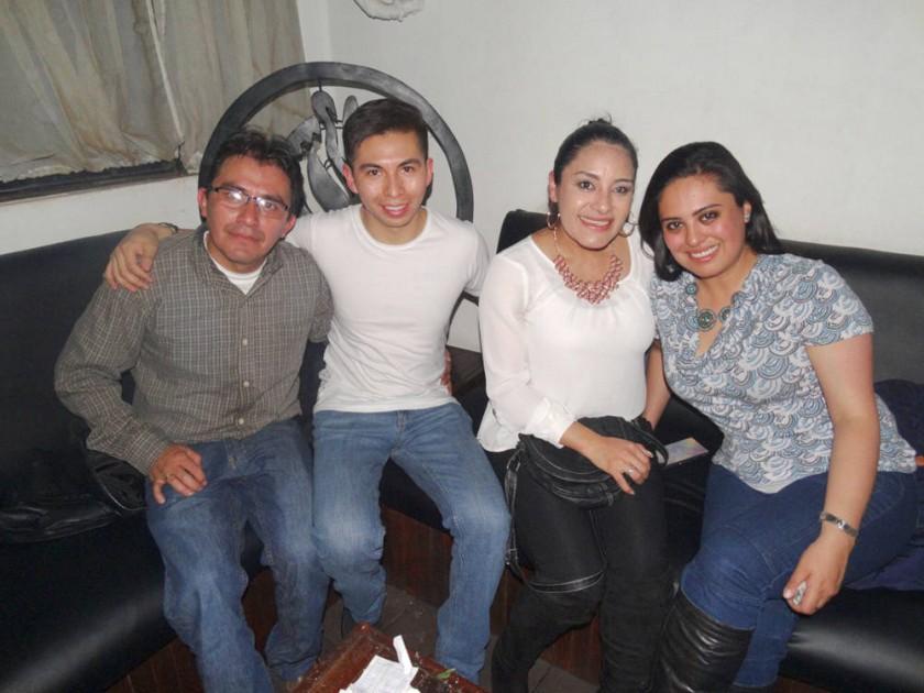 Milton, Álvaro, Cinthia y Gabriela.