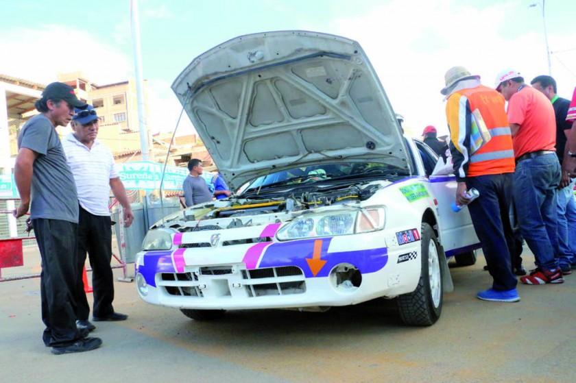 Los competidores locales asistieron ayer al Parque Multipropósito para cumplir la revisión técnica de sus motorizados...