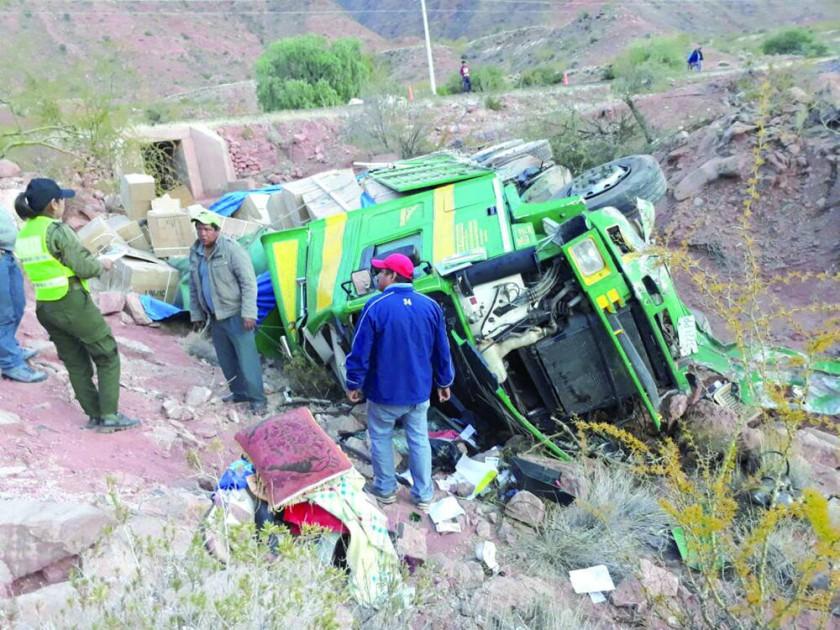 Accidentes en la ruta a Tarabuco y en Cintis dejan un muerto y 3 heridos