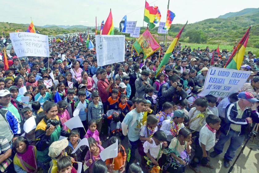 RIEGO. El acto de inauguración en Tomina.