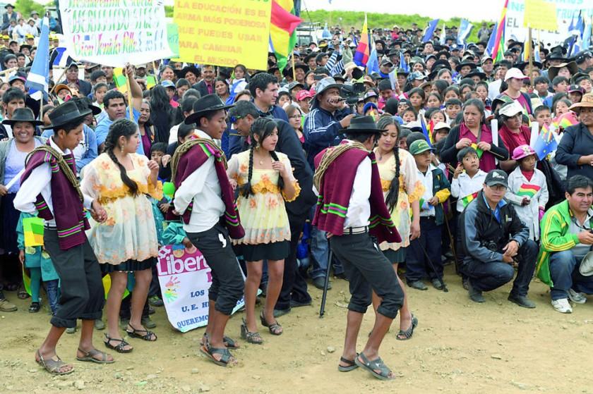 FESTEJO. La alegría de la población en Mojocoya.