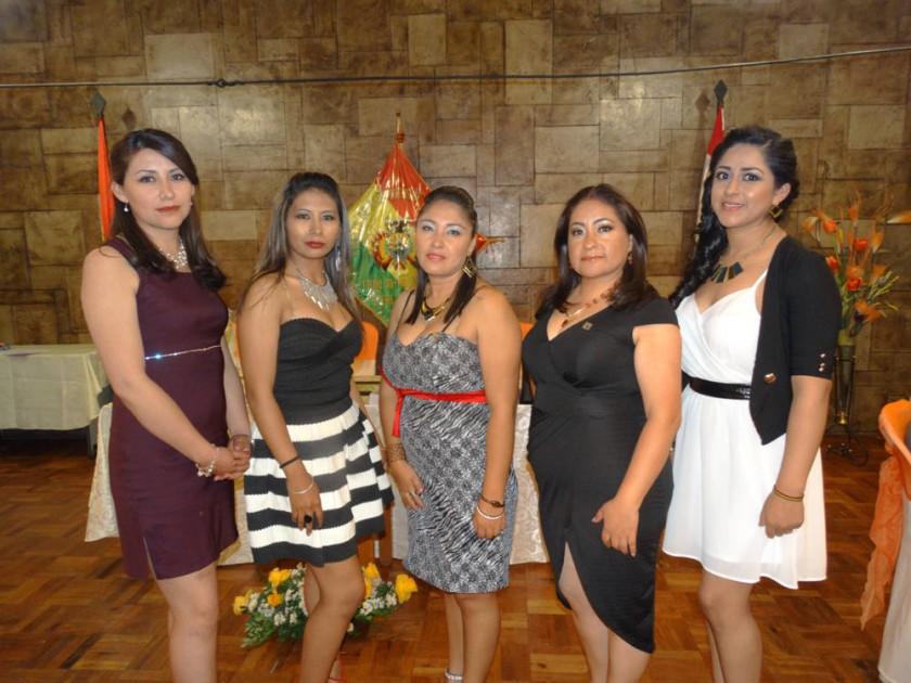Karina Bejarano, Helen Espada, Vilma Rodríguez,  Aracely Quintana y Milena Avendaño.