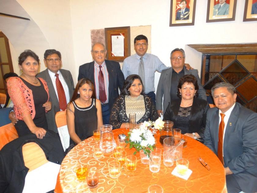 Arriba: Norma Villanueva, Willie Ruíz, Francis Arce, Nelson Barrios, David Villavicencio. Abajo: Janeth Barreta....