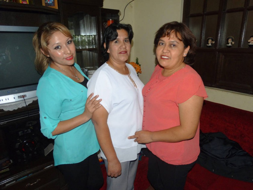 Neyba Huarachi, Reyna Muñoz y Paola Averanga.
