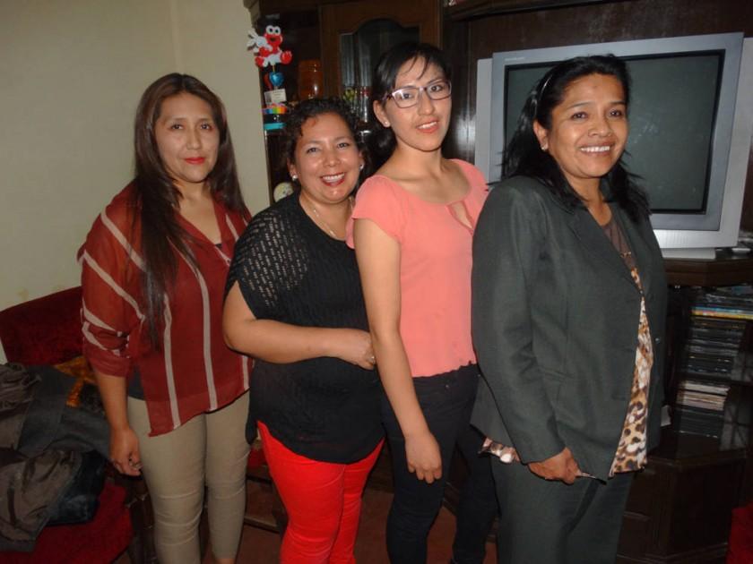 Lourdes Ruíz, Juanita Ortiz, Maribel Morales y Elizabeth Aguilar.