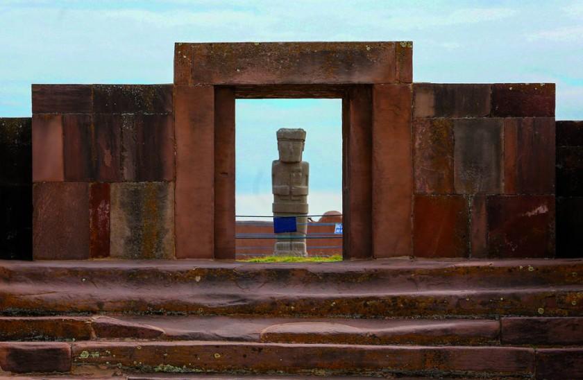 Fotografía del pasado 9 de mayo de algunas de las ruinas de Tiahuanaco, donde se realizan trabajos de preservación y...