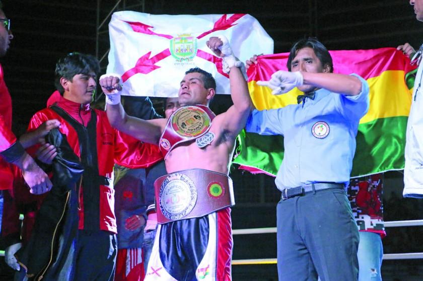 la celebración del pugilista capitalino con el título nacional