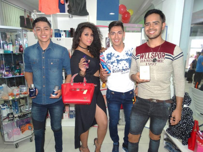 Danny Guzmán, Carla Alvizo, Marcelo Payaré y Alejandro Villanueva,  Boutique Donatella.