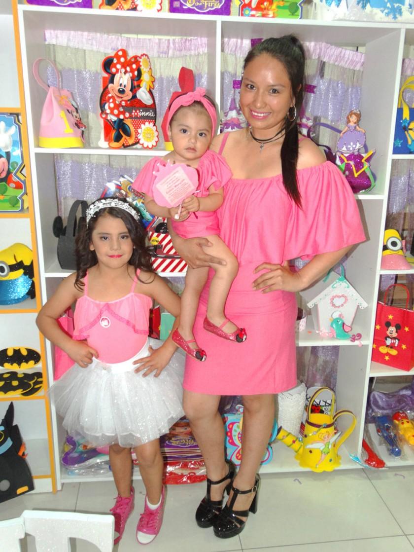 Sarela Rocha, Isabela Luján y Paola Porcel, Boutique Isabella Detalles.