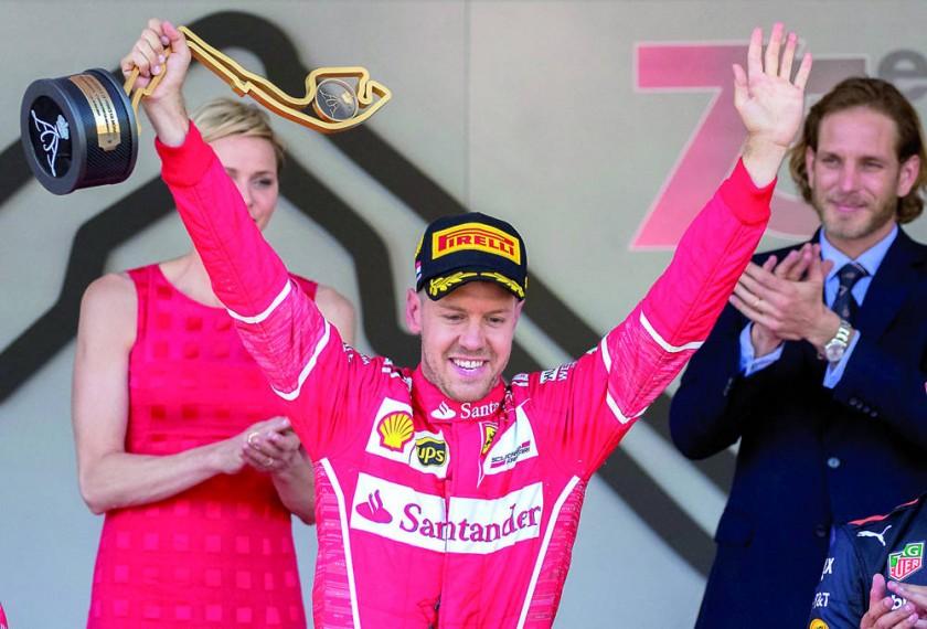 El cuatro veces campeón mundial de F1 celebra en Mónaco.