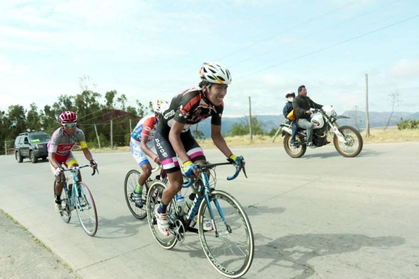 Los pedalistas Sub 20 no se dieron tregua en la última etapa.