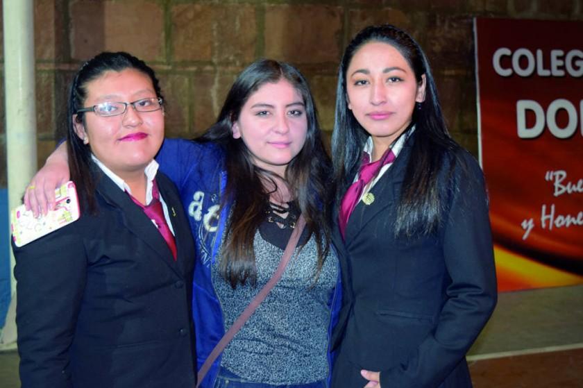 Ximena Aira Loayza, Belén Valenzuela  y Candelaria Lara