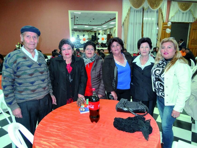 Salvador Otondo, Flora Soto, Soledad Otondo, Virginia Mejía, Marina Carballo y Carmen Ramírez.