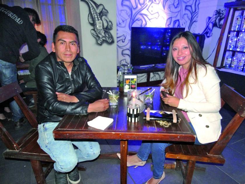 Freddy Zárate y Fabiola Arciénega.