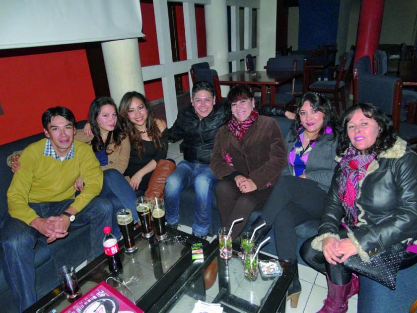 Rodrigo, Inés, Daniela, Romer, Ximena, Tatiana y Susana.