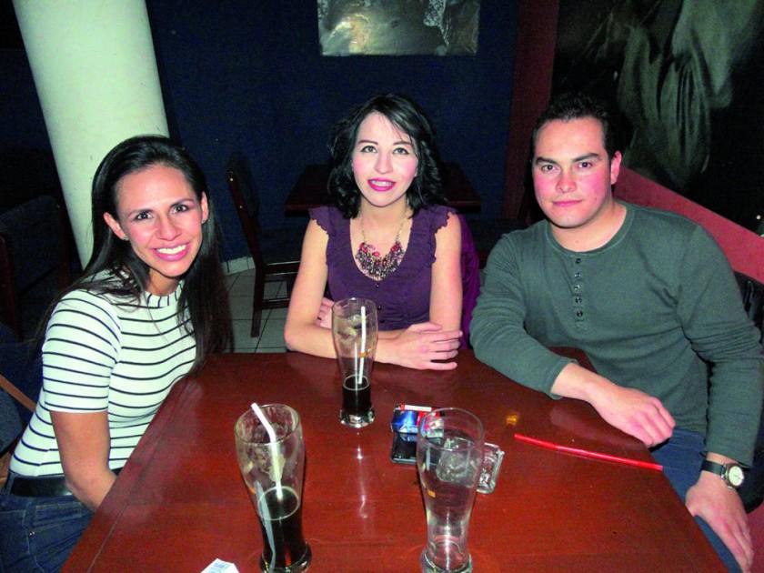 Claudia Hayes, Laura Kukoc y Eduardo Romero.