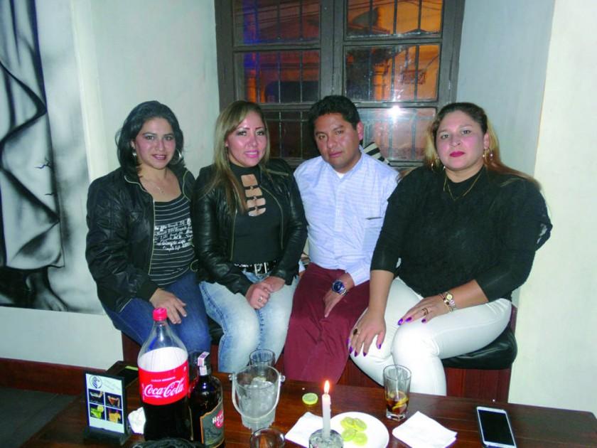 Ninoska Montesinos, Cecilia Canedo, Cesar Choque  y Lucy Cuellar.