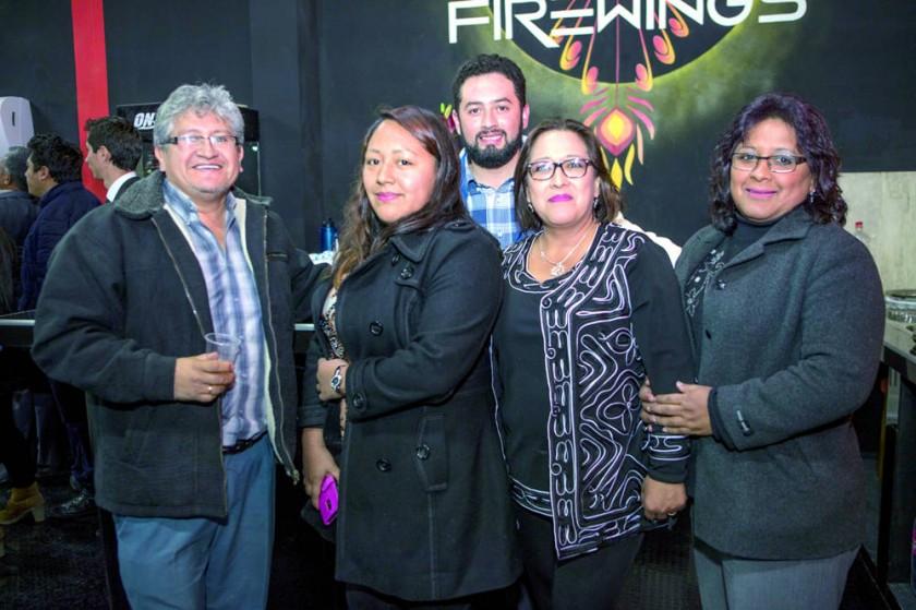 Alex Cruz, Pamela Cruz, Marcelo Rivero, María Navarro y Julieta Navarro.