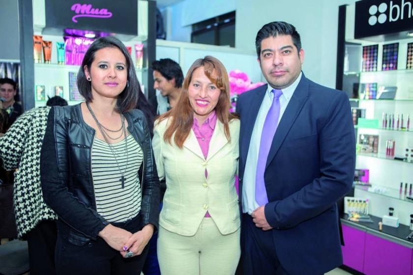 Rebeca Barrón, Nelly Toro y Jhasmany Encinas.