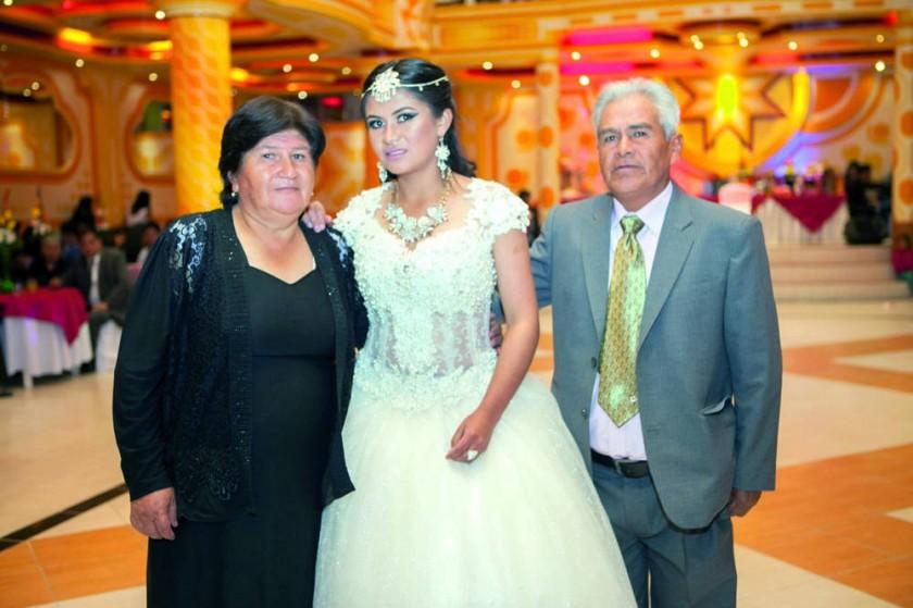 Dora Romero, Sariah Raya y Guido Raya.