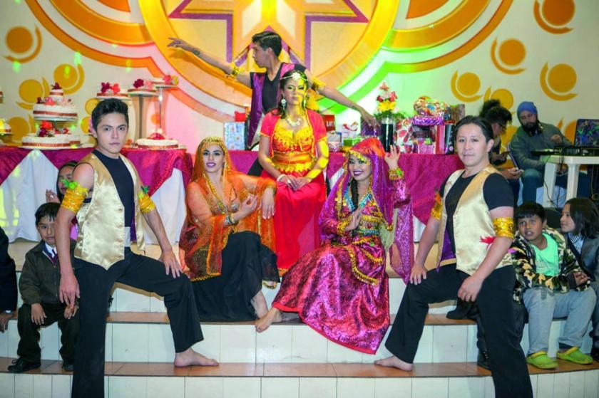 Sariah en el espectáculo de danza hindú.