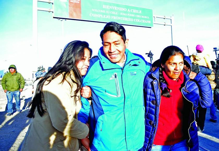 Bolivia acoge a los 9 y alza la voz