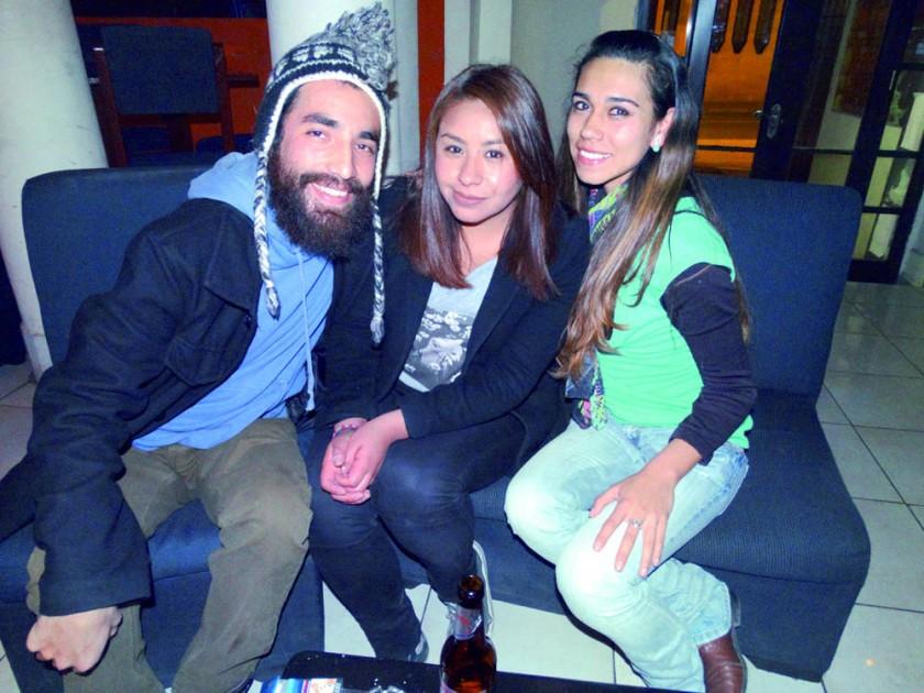 Mai Keul Gauna, Sara Estrada y María Molina.