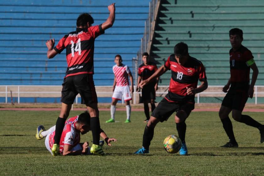 Flamengo goleó a Independiente, en el estadio Patria.