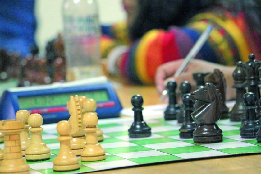 El campeonato de ajedrez comenzará hoy, en Sucre, con la participación de más de una decena de delegaciones.