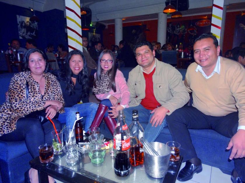 Liliana Ovando, Gabriela Ovando, Judith Echevarría, Clyder Flores y Álvaro Gardeazabal.